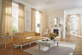 wohnzimmer gardine creme farbe vielfältige plissees