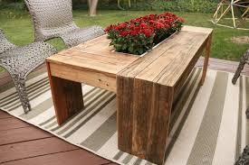 Rustic Pallet Wood Coffee Table Remodelaholic 9216