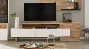 interliving wohnzimmer serie 2104 medienmöbel weiße lackoberflächen balkeneiche eine tür zwei schubladen länge