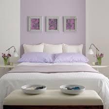 lila wanddeko schlafzimmer einrichten in fliederfarbe lila