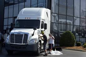 Daimler Trucks To Add Dozens Of Jobs At A New Logistics Center Near ... Daimler Trucks And Walmart Develop Hybrid Electric Cascadia Portland Truck Plant Layoffs Put Machinists Pension In Danger Mitchell Comm Collegerecruit Jobs Ipdenttribunecom Daimlers Secret Paint Job Breakaway Driving Staffing Discover Your North America Career Youtube To Bring 600 Green On Us Streets Aoevolution Announces New 150 Million Headquarters Freightliner Turns Heads With Supertruck Concept Vehicle Cporate Headquarters Cut More Than 1200