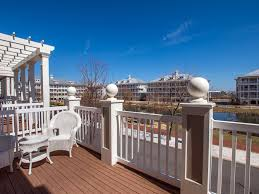 The Deck On Fountainview Happy Hour by Sunset Island 15 Fountain Dr W 72165 U2022 Vantage Resort Realty