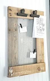Rustic Farmhouse Pallet Wood And Chicken Wire Message Board Seeking Lavender Lane Small Crafts