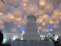 décoration plafond mariage papier lanternes