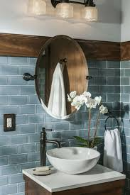 fliesengestaltung bad blaue wandfliesen runder spiegel