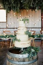 Rustic Wedding Naked Cakes Are In They Also Make A Simple Plain Cake Look Stunning Naturally And Flower Adds Romantic Flare Jo