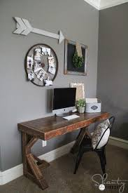 Diy Wood Computer Desk by Best 25 Diy Computer Desk Ideas On Pinterest Computer Rooms