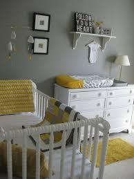 chambre bébé grise et chambre enfant gris et aune pour un chambre bebe deco un peu plus