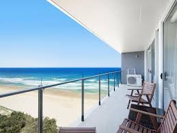 100 Absolute Beach Front Central Surfers Paradise Front Apartment In