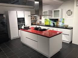 global küchen musterküche grifflose l küche kochinsel mit