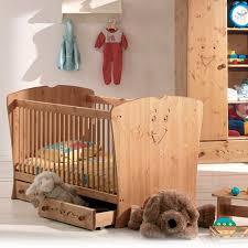 chambre bébé bois beautiful chambre bebe bois massif 2 chambre b233b233 en pin