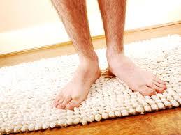 badteppich und badvorleger richtig reinigen