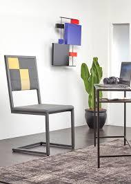 sur bureau design and manufacturing furnitures les pieds sur la table