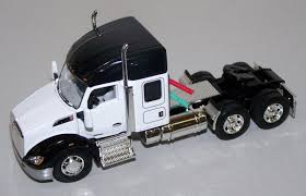 T346 1/64 White Kenworth T680 52