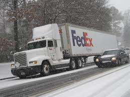 File:FedEx Express Truck In The Snow 2011-02-09 Memphis TN.jpg ...