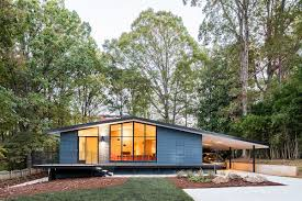 100 Centuryhouse This Renovated MidCentury House Features A Stunning Exterior Mid