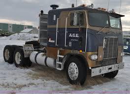100 Truck Retarder 1977 White Freightliner Semi Truck Item C3327 SOLD Marc