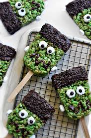 Rice Krispie Treats Halloween Theme by 94 Best Halloween Images On Pinterest Halloween Recipe
