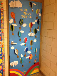 Winter Themed Classroom Door Decorations by Love Of Reading