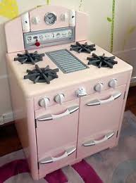 Pottery Barn Kids Pink Retro Kitchen Oven in Perfect Condition