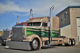 100 359 Peterbilt Show Trucks 75 Chrome Shop Crowns Winners In Florida Pride Polish Event