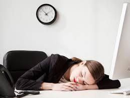 ennui au bureau 10 choses à faire lorsque l on s ennuie au bureau grazia