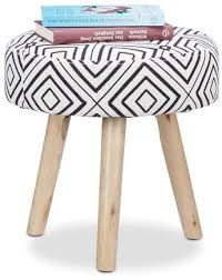relaxdays runder beistellhocker mit karomuster holzbeine wohnzimmer fußablage polsterhocker 35 x 35 cm schwarz weiß