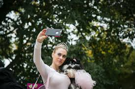 Tompkins Square Park Halloween Dog Parade 2015 by Dogs In Costumes For A Halloween Parade Photos Abc News