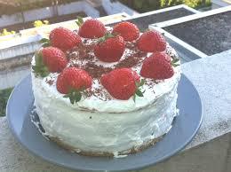 vegan backen stracciatella erdbeer sahne saane torte