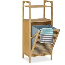 badregal mit wäschekorb aus bambus hbt 95 x 40 x 30 cm badschrank mit 2 ablagen für badaccessoires als wäschebehälter mit ausklappbarem wäschesack