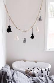 diy tassel garland in our bedroom x kinder zimmer diy