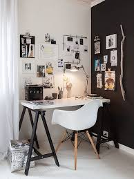 interior 10x black walls zuhause arbeitsräume