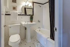 7 small bathroom ideas to maximize your space