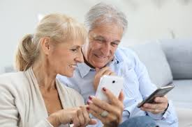 8 Easiest Smartphones To Use For Seniors and The Elderly Insider