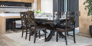 Transitional Dining Room With Pelennor Set