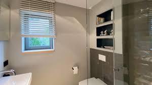 kleine holzfensterbank im gästebad zuschnittprofi de