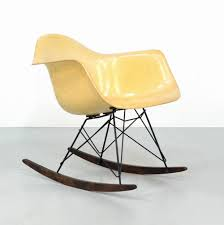 For Sale: Rope Edge RAR Rocking Chair By Charles & Ray Eames ... Black 2014 Herman Miller Eames Rar Rocking Arm Chairs In Very Good Cdition White Rocking Chair Charles Ray Eames And For Vintage Brown By C Frank Landau For Sale Rope Edge Chair 1950s Midcentury Modern Rar A Pair 1948 Retro Obsessions