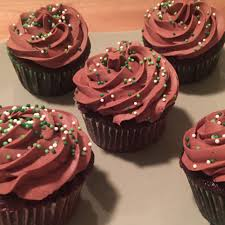 I frosted with a dark chocolate buttercream but I envision a caramel frosting and a sprinkle of pretzels on top could