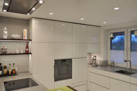 küche nach maß grifflos weiß griffloseküche klock