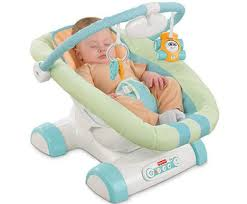 un transat bébé qui reproduit les mouvements d une voiture