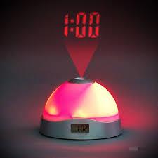 reveil heure au plafond réveil led projection de l heure cadeau maestro