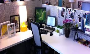 Cubicle Decoration Themes For Competition by Stupendous Decorating Cubicle Decor Ideas For Office Pinterest