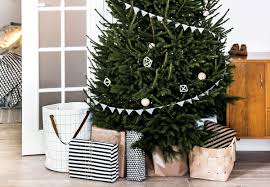 13 Ideas To Hide The Christmas Tree Stand