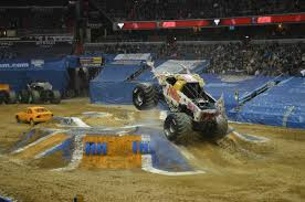 100 Monster Truck Crashes DONT MISS MONSTER JAM TRIPLE THREAT 2017