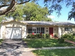 100 Hollywood Hills Houses SOLD FULL PRICE 5411 Buchanan St FL 33021