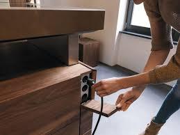 prise pour cuisine cache prise électrique dans la cuisine moderne cuisine k7 par