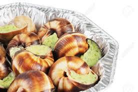 cuisiner les escargots de bourgogne bourgogne snails with garlic butter cuisine stock photo