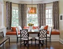 Comfy Dining Room Bay Window Decorating Ideas 15