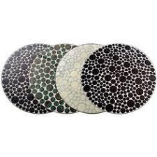 table ronde mosaique fer forge tables en mosaïque bubbles aux couleurs vives et audacieuses