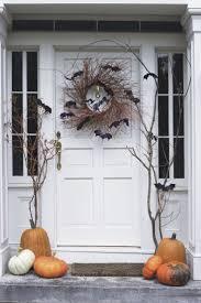 Outdoor Halloween Decorations Diy by Best 25 Halloween Front Porches Ideas On Pinterest Halloween